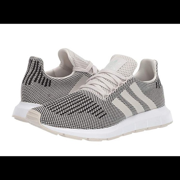 adidas Shoes   Swift Run Mens B37736